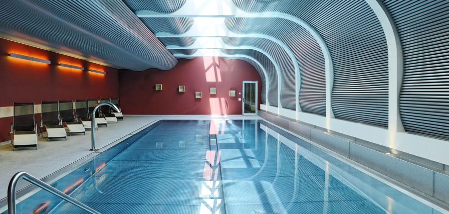 Switzerland_Zermatt_Ambassador-suites_Indoor-pool.jpg